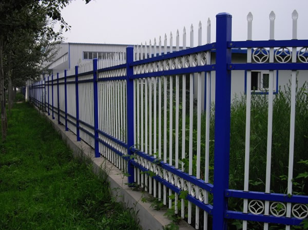 四横带花锌钢护栏